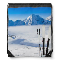 Mountains and ski equipment drawstring bag