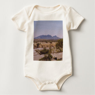MountLiebig_NorthernTerritory.JPG Body Para Bebé