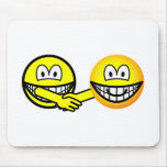 Hands shaking smilies   mousepad