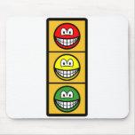 Traffic light smile   mousepad