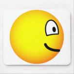 En profile emoticon Left  mousepad