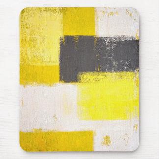 """Mousepad abstracto gris y amarillo """"simplemente"""