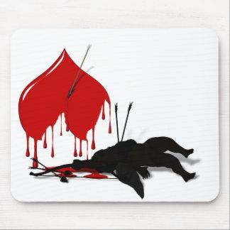 Mousepad del Cupid y del corazón sangrante