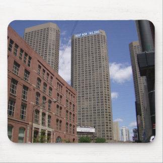 Mousepad del paisaje urbano de los rascacielos de