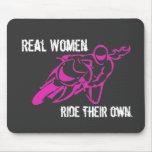 Mousepad del paseo de las mujeres reales