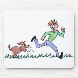 MOUSEPAD - DOG CHASING MAN
