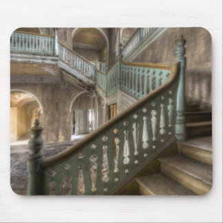 Mousepad draws to Place mansion stairs Abandoned