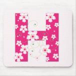 Mousepad floral rosado bonito inicial del monogram tapete de ratón