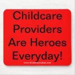 Mousepad. Los proveedores del cuidado de niños son Alfombrillas De Ratones