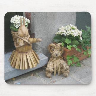Mousepad Welcoming Guests on Brugge Doorstep