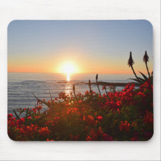 Mousepad with setting sun over the ocean