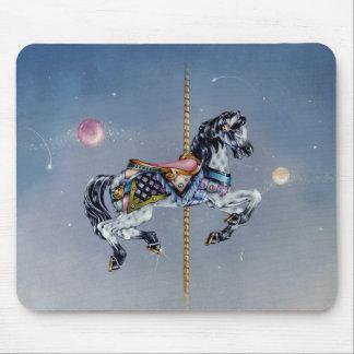 Mousepads - caballo gris del carrusel de la yegua