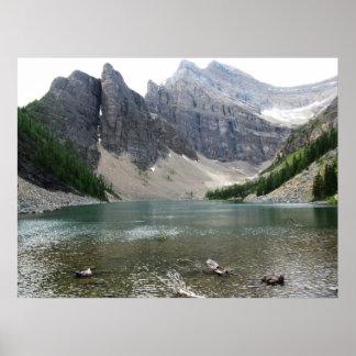 Moutain y poster de la opinión del lago