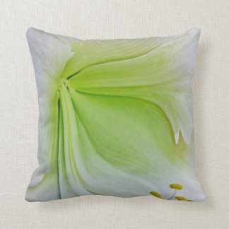 Movement in Pastell Throw Pillow