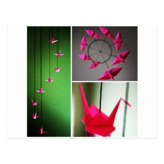 Móvil de la grúa de Origami de las rosas fuertes Tarjeta Postal