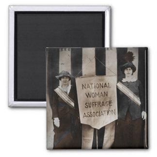 Movimiento del sufragio de las mujeres imán cuadrado