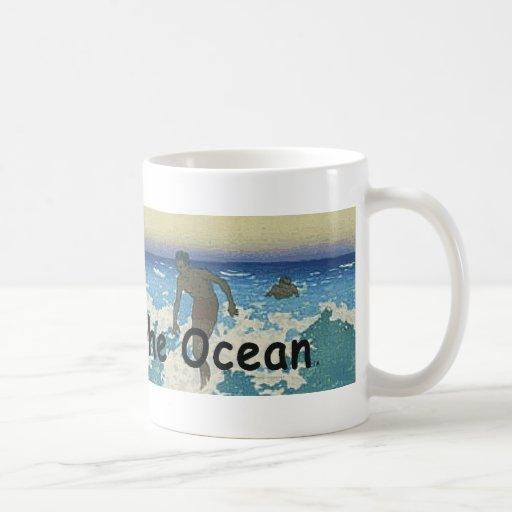 Movimiento SUPERIOR en el océano Taza Básica Blanca