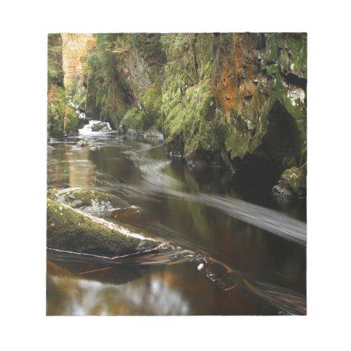 Movimientos del río del agua bloc