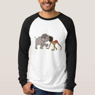 Mowgli del libro de la selva con el elefante playera