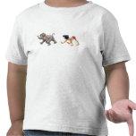 Mowgli del libro de la selva y el marchar del elef camisetas