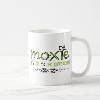 ¡Moxie - es ACEPTABLE SER DIFERENTE! Taza Básica Blanca
