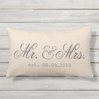 Mr.&Mrs. Elegante texturizada de la tela de Cojín De Exterior