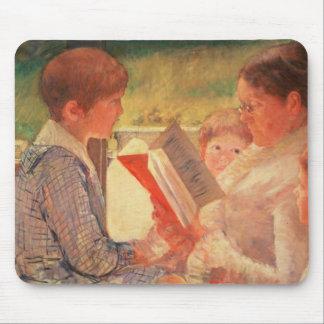 Mrs Cassatt Reading to her Grandchildren, 1888 Mouse Pad