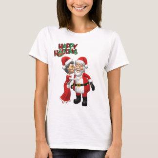 Mrs Claus kissing Santa T Shirt