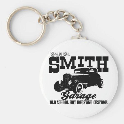 Mrs.& Mr. Smith Hot-Rod Garage Basic Round Button Keychain