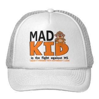 Ms enojado del niño gorra