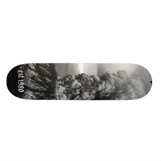 MSH80_msh_eruption_05-18-80_Krimmel_80S3-141_bw... Skateboard Deck