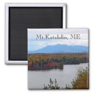 Mt. Katahdin en imán de la caída