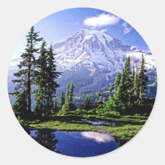 Mt Raineer National Park Classic Round Sticker