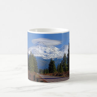 MT SHASTA WITH LENTICULAR COFFEE MUG