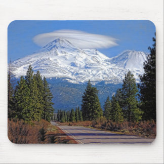 MT SHASTA WITH LENTICULAR MOUSE PAD