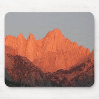Mt. Whitney en el amanecer… Tapetes De Ratones