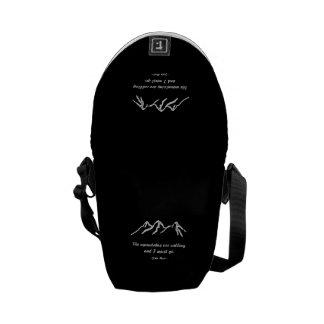 Mtns are calling/Snowy blizzard on Black Design Messenger Bag