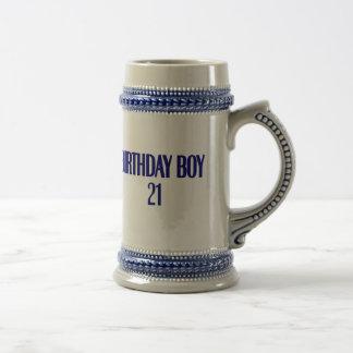 Muchacho 21 del cumpleaños taza de café