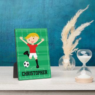 Muchacho adaptable 1 del fútbol rojo y blanco placa de madera