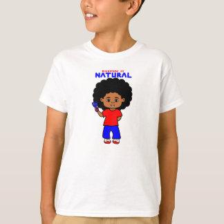Muchacho afroamericano con el dibujo animado polera