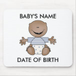Muchacho afroamericano recién nacido tapete de raton