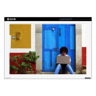 Muchacho azul de la puerta 43,2cm portátil calcomanía