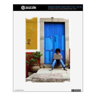 Muchacho azul de la puerta NOOK skins