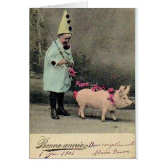 Muchacho con la placa de moda del cerdo tarjeta de felicitación