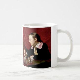 Muchacho con una ardilla tazas de café