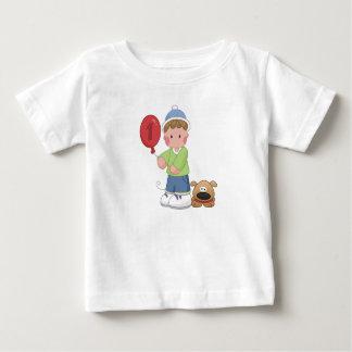 Muchacho de 1 año y su perro t-shirts