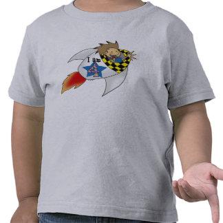 muchacho de 4 años en un cohete camiseta