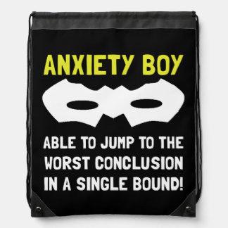 Muchacho de la ansiedad mochila