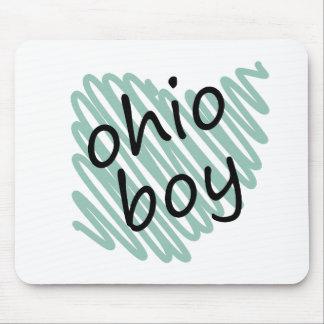 Muchacho de Ohio en el dibujo del mapa de Ohio del Tapete De Raton