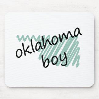 Muchacho de Oklahoma en el dibujo del mapa de Okla Alfombrilla De Raton